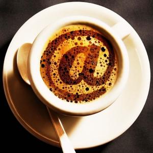 4 chestii amuzante de citit la cafea